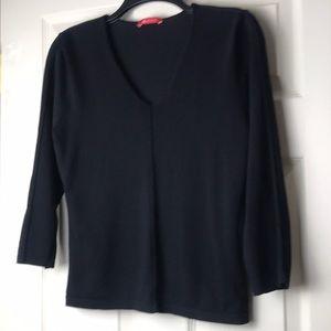 Anne Klein black v neck shirt size S